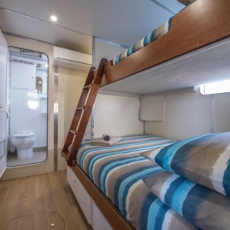double and single bunkbed with ensuite kimberley cabin